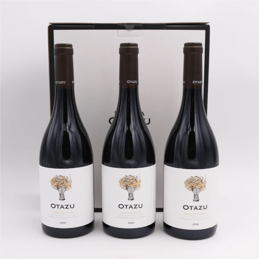 Otazu-2018 -Premium Cuvée- 3 ampolles + estoig regal